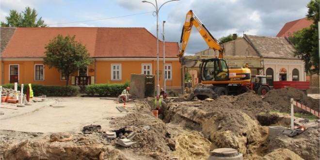 Jó ütemben halad a Kossuth tér rekonstrukciója